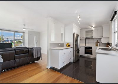 32 Stansbury st Glenorchy TAS - Kitchen and Living Room